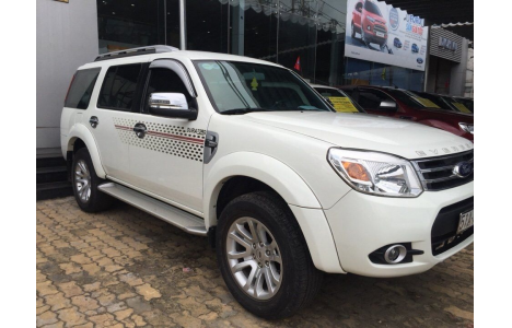 Ford Everest AT 2014 trắng